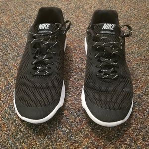 Nike Flex Experience RN 5 Running Shoes Size 9